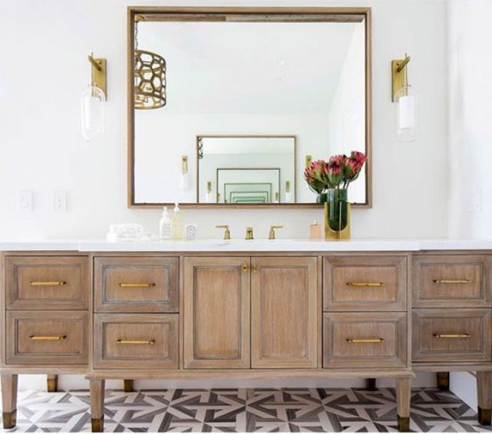 How to Have a Picture-Perfect Powder Room
